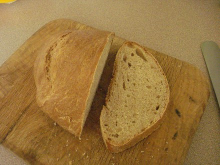 I like little holes, they make the bread chewy and rich.